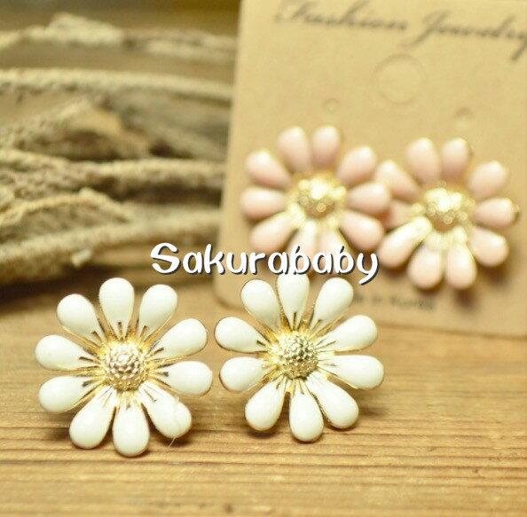 媽咪愛美專區 日本進口abeille pierced 花朵造型耳環 穿洞式耳環 小雛菊 耳針式 韓國製造 櫻花寶寶