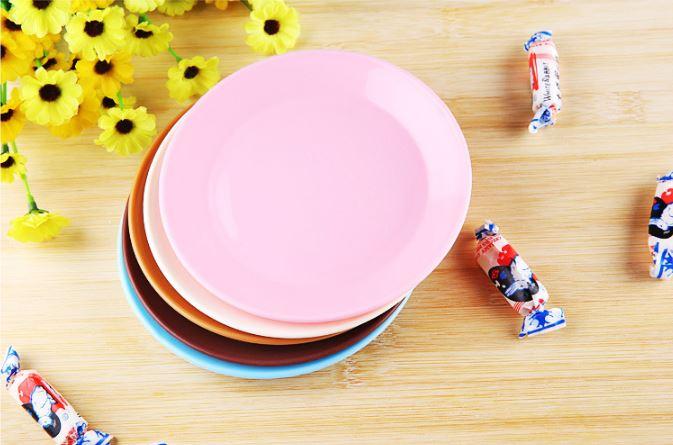 (隨機出貨)炫彩食品級塑料小碟子零食平底盤子小吃碟 9元 2