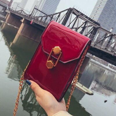肩背包手拿小方包-鍊條漆皮時尚手機包女包包4色73fc359【獨家進口】【米蘭精品】 1