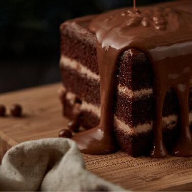 【樂田麵包屋】榛果可可絲絨長條蛋糕★法國VALRHONA品牌指定使用+焦糖巧克力珍珠米→絲絨般細柔口感與酥脆珍珠米的完美結合