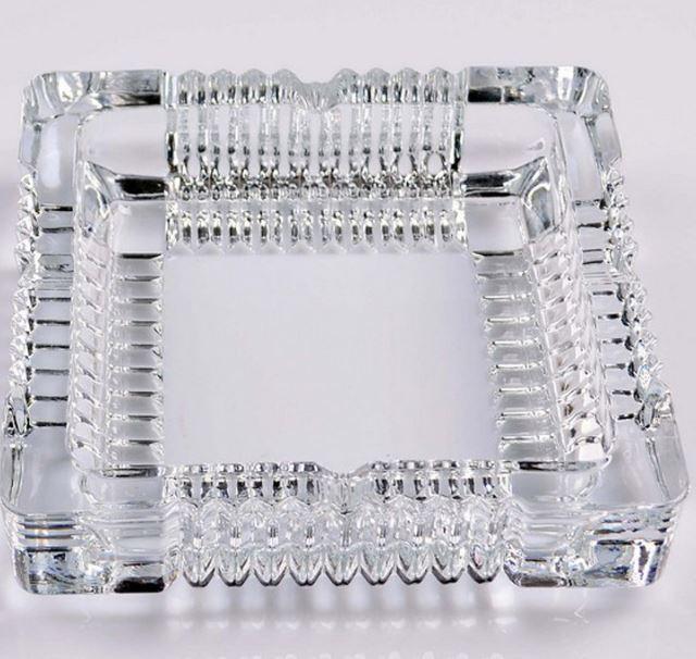 【省錢博士】厚實通透方形玻璃煙缸 / 小齒輪煙灰缸 / 辦公室客房客廳煙缸