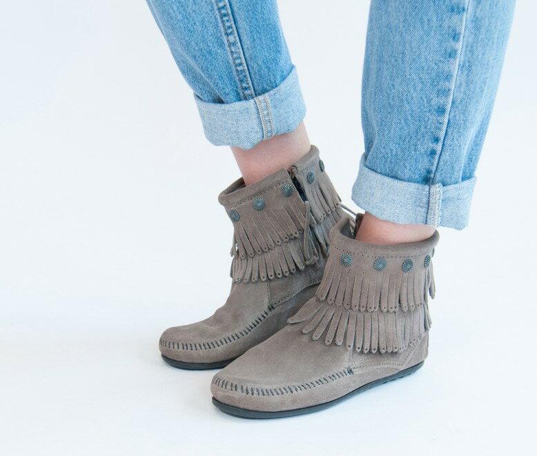 【Minnetonka 莫卡辛】灰色 - 雙層麂皮流蘇踝靴 7