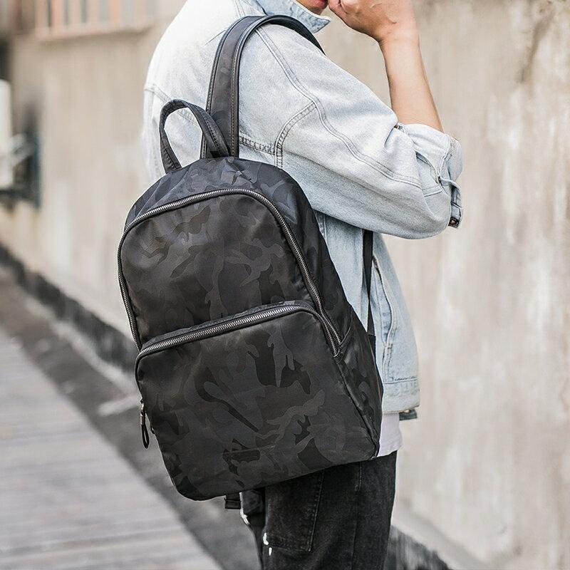 <br/><br/> PocoPlus 防水迷彩雙肩包 韓版男士雙肩背包 潮流迷彩學生書包電腦包旅行包 B1272<br/><br/>