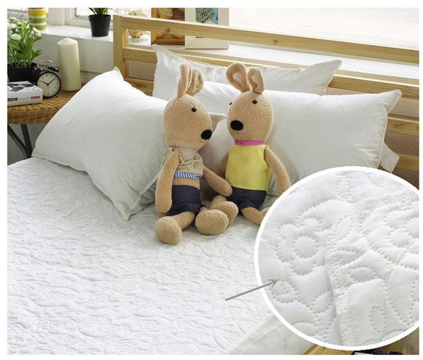 保潔墊雙人床包式 獨家3層無毒貼合、抗菌防霉、可機洗 5x6.2尺立體雕花保潔墊 單品4色任選 2