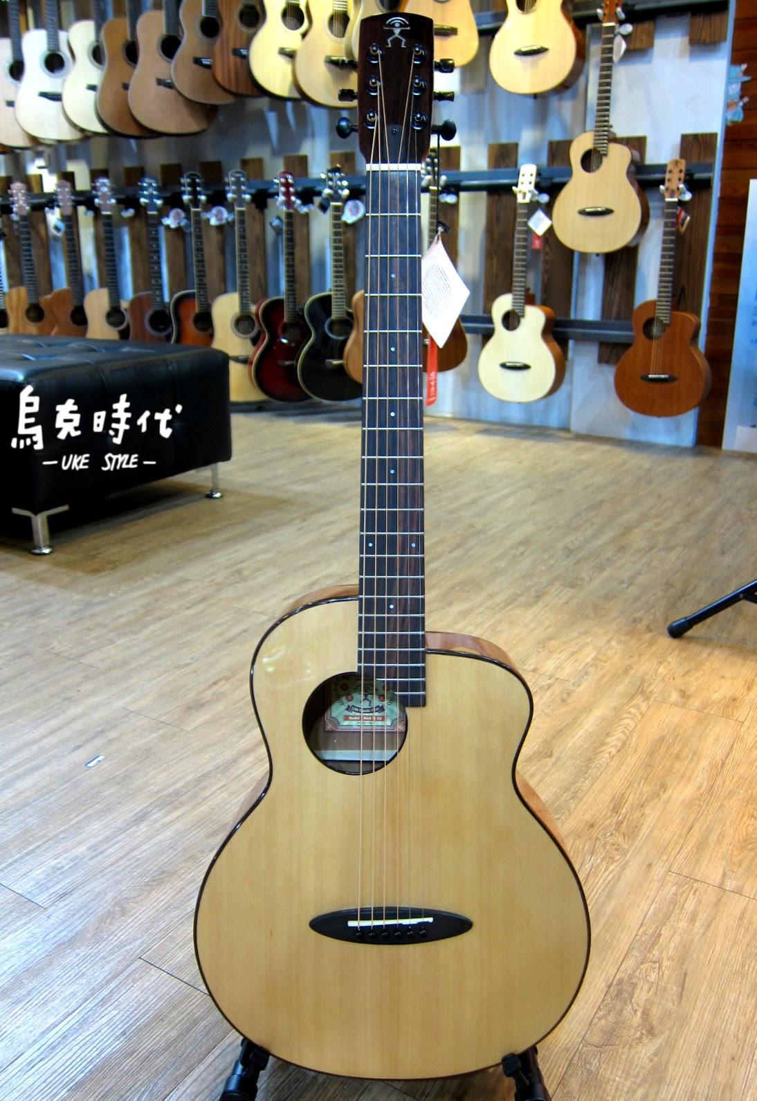 烏克時代~Anuenue鳥吉他M12旅行吉他,CP值最高的面單板旅行吉他