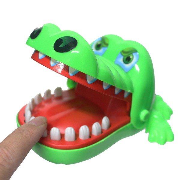 鱷魚拔牙齒 828 瘋狂鱷魚咬咬樂(大) / 一個入(促90) 咬人鱷魚 整人玩具 桌遊-創F-T828 0