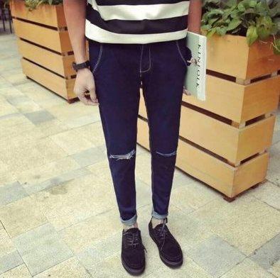 【Mystyle】刀割單寧牛仔褲窄管褲。藍黑,303234腰
