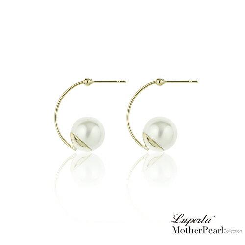 大東山珠寶 璀璨奢金 金屬風南洋貝寶珠耳環 2