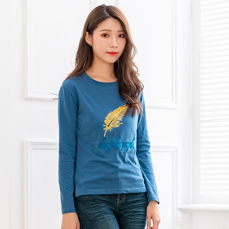 棉T--舒適休閒撞色羽毛英字刺繡寬鬆百搭圓領長袖T恤(黑.藍.綠L-3L)-F153眼圈熊中大尺碼 0