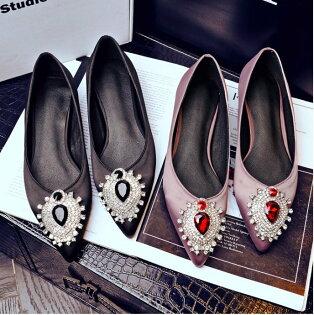 Pyf♥質感水鑽寶石裝飾優雅緞面舒適內裡尖頭內增高平底鞋43大尺碼女鞋