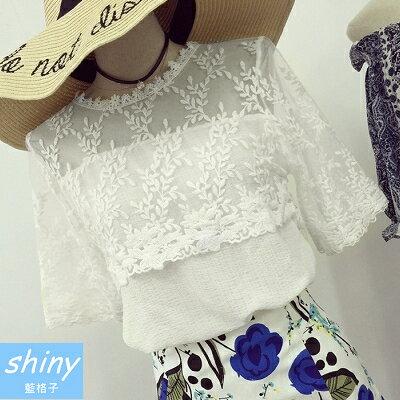 ~V1036~shiny藍格子~韓范甜美.網紗拼接繡花透視寬鬆短袖上衣