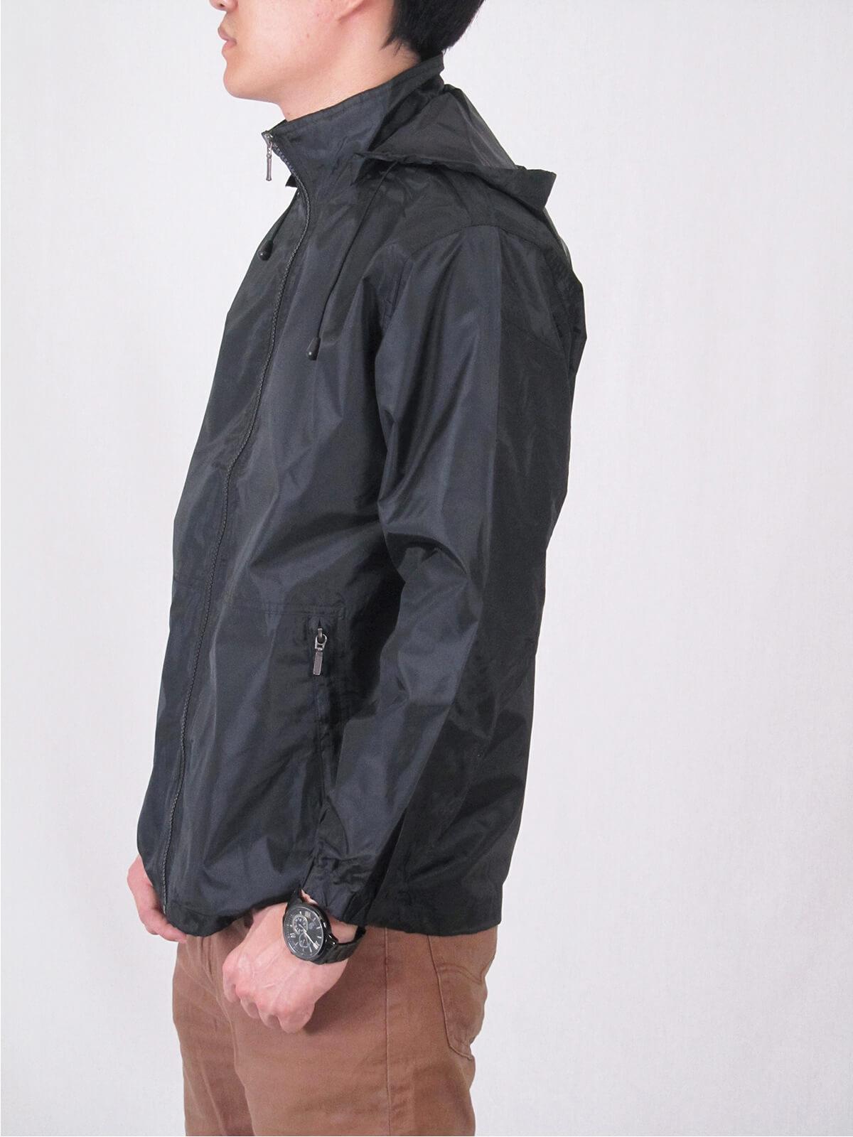 抗紫外線防曬薄外套 防風防潑水休閒外套 抗UV機能布料素面外套 遮陽外套 附帽可拆 風衣外套 輕量薄外套 ANTI-UV THIN COAT JACKET (321-8816-01)黑色、(321-8816-02)深藍色、(321-8816-03)紅色 M L XL 2L 3L 4L 5L(胸圍:45~57英吋) [實體店面保障] sun-e 9