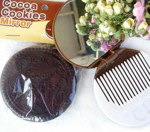 【J13070104】誘人巧克力夾心餅乾鏡 可折疊化妝鏡子 附梳子