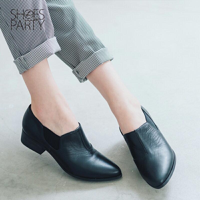 【B2-16209L】黑白系列尖頭側鬆緊鞋_Shoes Party 1