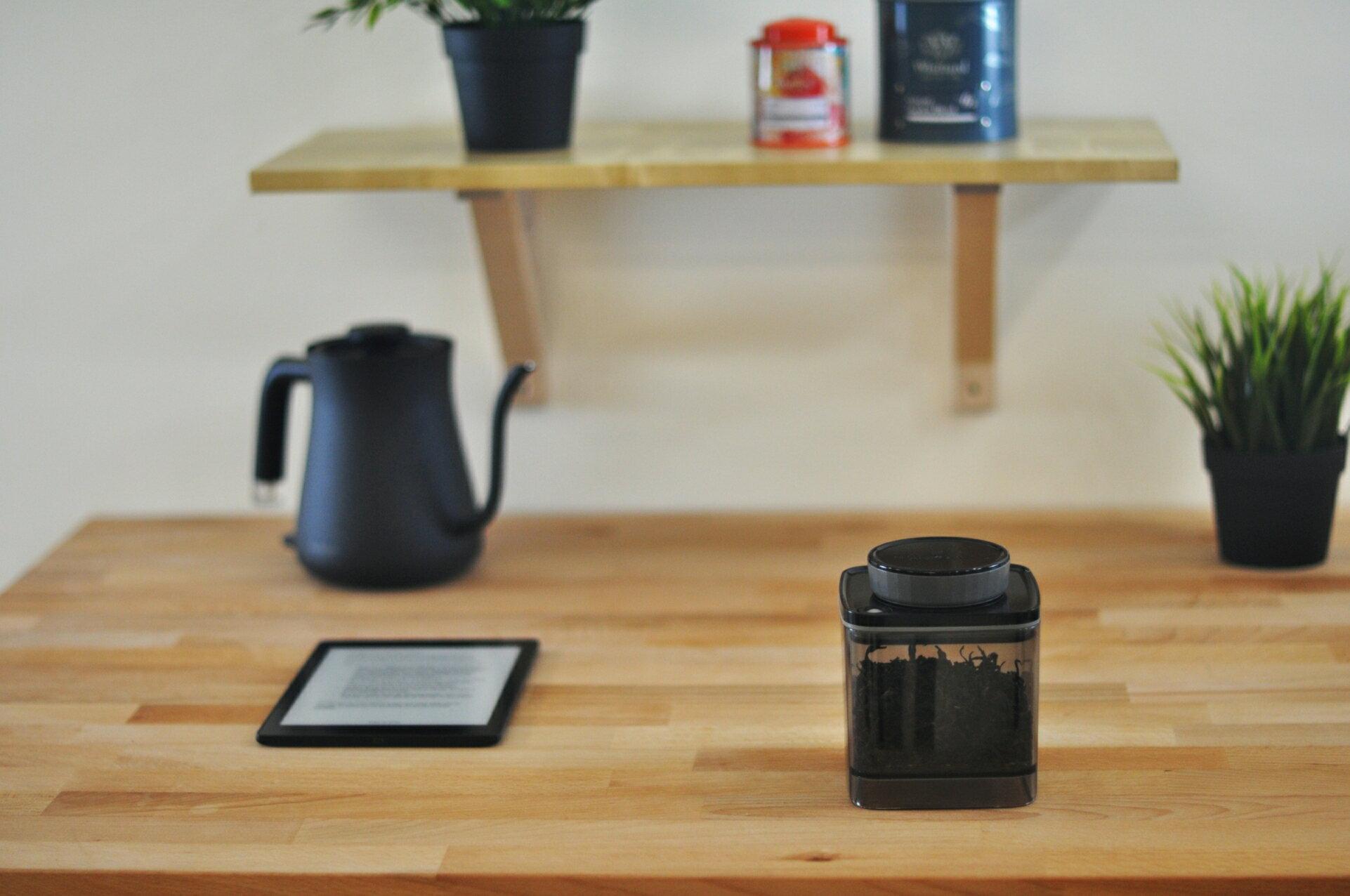 【沐湛咖啡】ANKOMN  Turn-n-Seal真空保鮮盒0.6L /  1.2L (透明黑色)密封罐 保鮮罐 2016德國紅點設計大獎 0