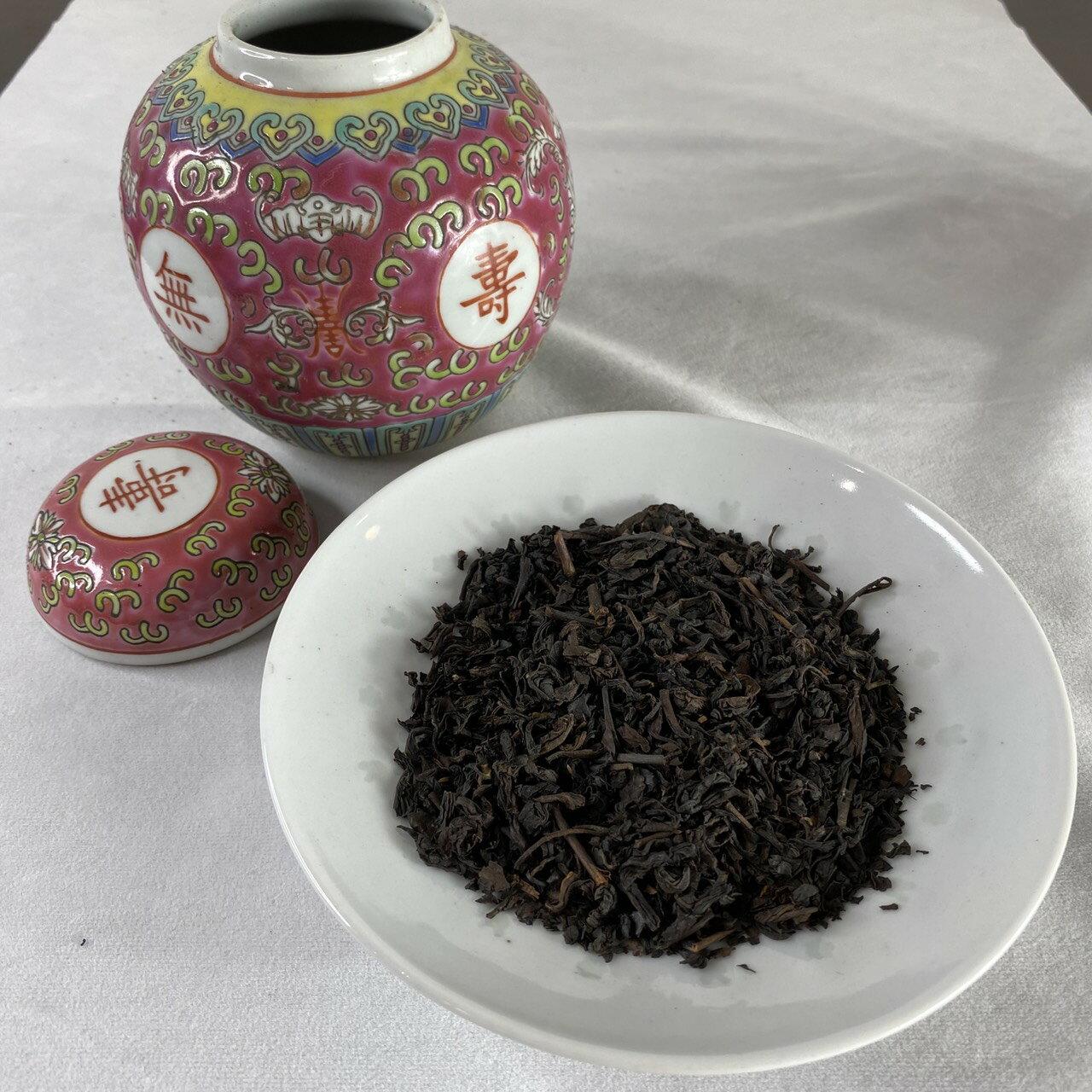 1950年代 日月潭出口紅茶100克+70末紅萬壽六吋寶珠罐