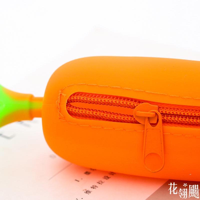 立體紅蘿蔔造型矽膠筆袋 學生大容量鉛筆盒 創意可愛矽膠筆袋 21x5cm【JoWoJJ】