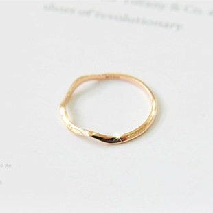 ﹨﹨Moshi moshi 韓版 簡約氣質金屬波浪曲線 金邊 戒指/尾戒/指環/首飾批發?OD0043