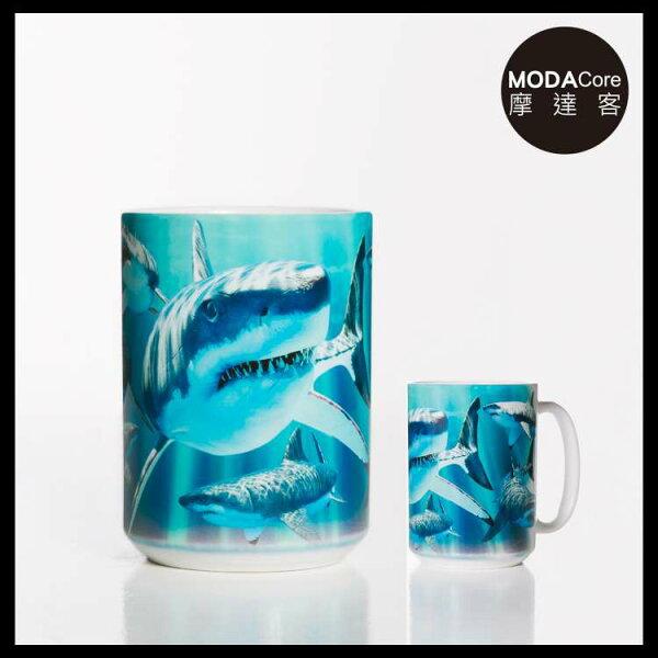 【摩達客】(預購)美國TheMountain鯊魚覓食圖案設計藝術馬克杯440ml