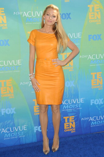 Blake-Lively-Wearing-A-Gucci-Dress-And-Christian-Louboutin-Shoes-At-Arrivals-For-2011-Teen-Choice-Awards-Arrivals-Gibson-Amphitheatre-Los-Ang