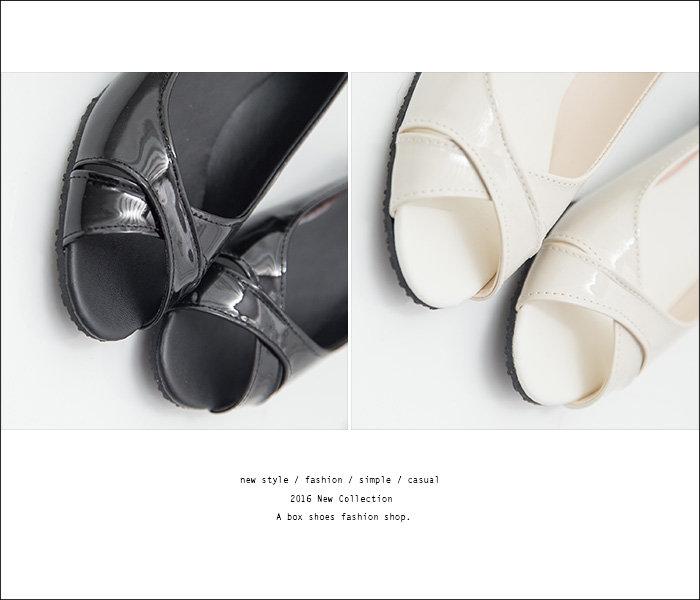 ★全店免運★格子舖*【ADN957】MIT台灣製 經典雅致質感亮皮 交叉3.5CM楔型魚口包鞋 2色 2
