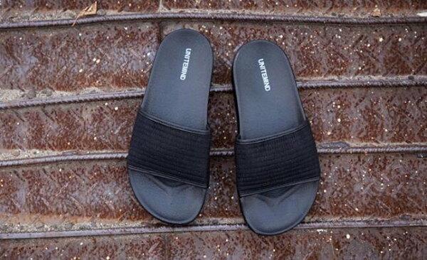 FINDSENSEMD韓國時尚休閒潮男黑色車線設計室內戶外多用懶人拖鞋一字拖