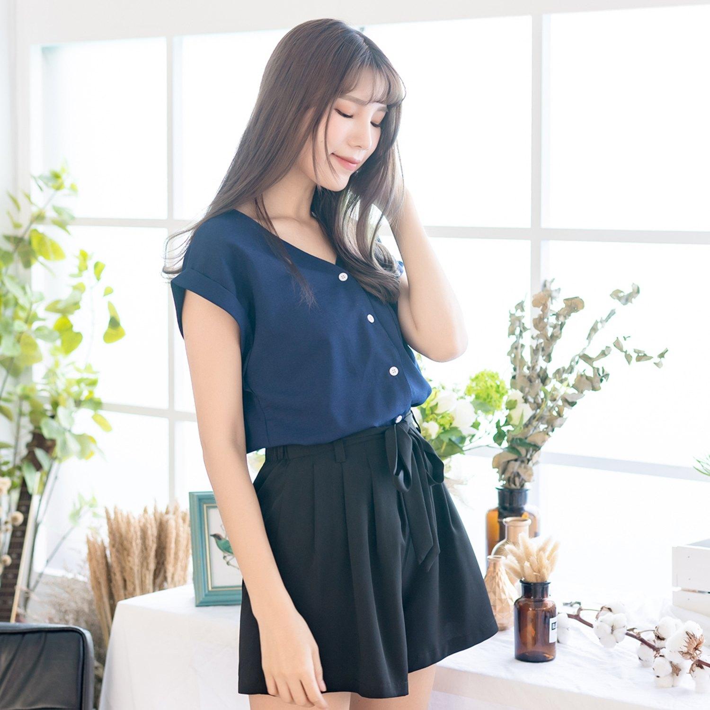 氣質襯衫--典雅性感涼爽口袋寬鬆修身素色V領反摺短袖襯衫(粉.藍L-3L)-H188眼圈熊中大尺碼 1