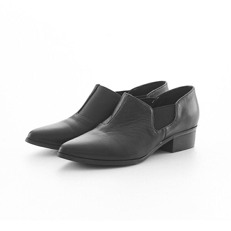 【B2-16209L】黑白系列尖頭側鬆緊鞋_Shoes Party 6