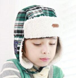 Kocotree◆ 格紋百搭 徽章毛絨便利釦飛行護耳帽~軍綠格
