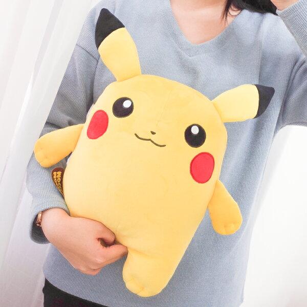 PGS7日本神奇寶貝系列商品-日貨皮卡丘寶可夢pokemonMocchi娃娃(M號)【SJ2A80001】