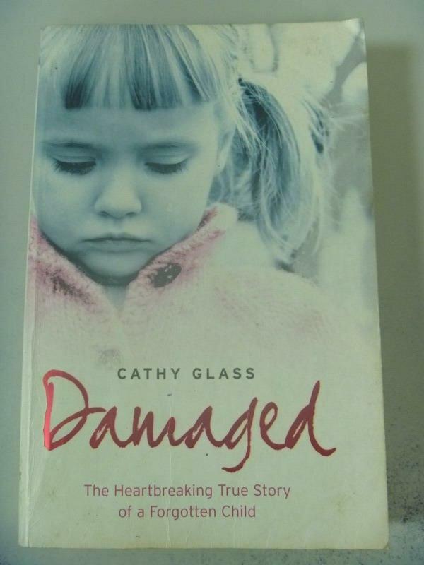 【書寶二手書T6/原文小說_XDK】Damaged_Cathy Glass
