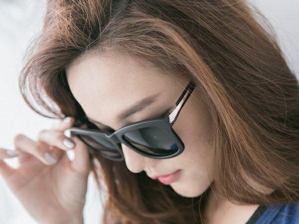 采睫 K00017 韓劇 來自星星的你 千頌伊 同款金屬色包邊墨鏡 太陽眼鏡 全智賢