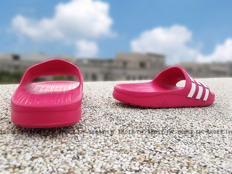 Shoestw【G06797】ADIDAS DURAMO K SLIDE 拖鞋 一體成型 桃紅白 大童 2