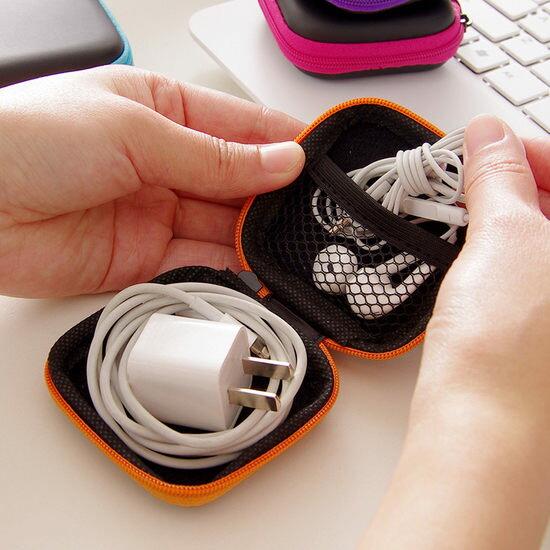 ●MY COLOR● 防壓方形收納包 耳機 充電器 整理 分類 數據 理線 網袋 輕巧 便攜 零錢【Q275】