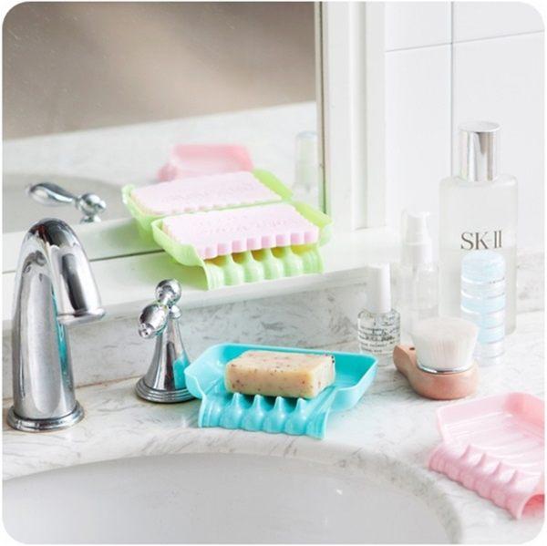 ●MY COLOR● 創意吸盤瀝水收納盒 瀝水盒 餐具盒 廚房置物架 海綿菜瓜布架 瀝水設計 肥皂架【L77】