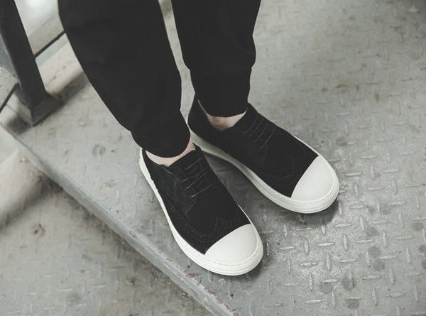FINDSENSE服飾:FINDSENSEMD日系高品質時尚潮男手工雕花真皮綁帶低跟休閒鞋板鞋