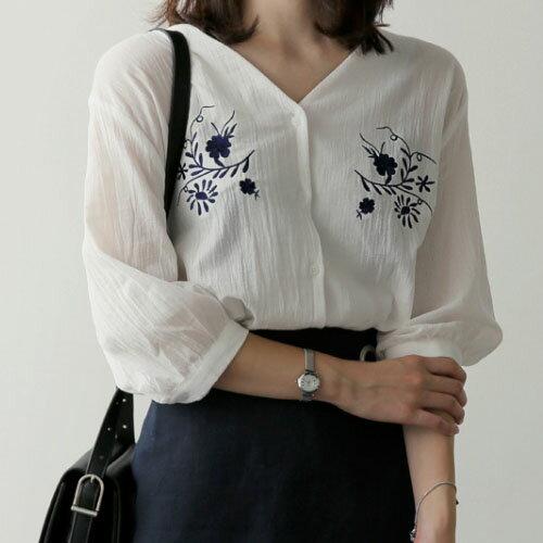 氣質V領刺繡花朵襯衫(M~XL)