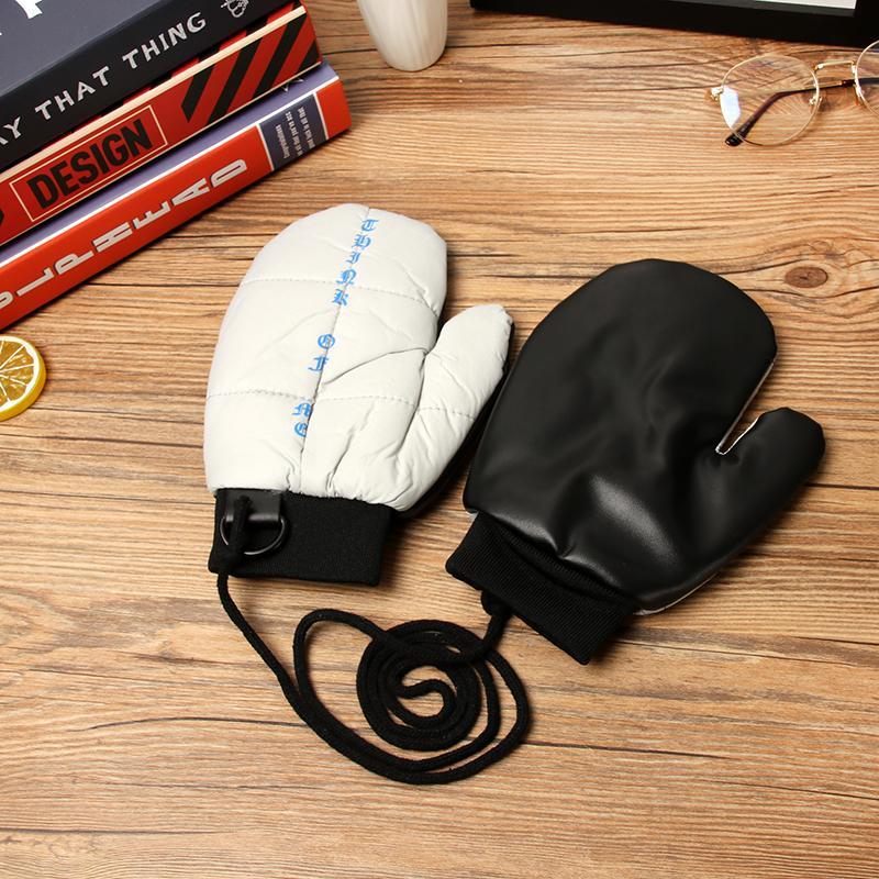 韓版冬季簡約掛脖字母純色可愛連指手套女保暖加絨加厚學生手套潮1入