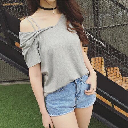 SISI~T6031~甜美簡約不規則露肩斜肩雙細肩吊帶寬鬆顯瘦百搭純色短袖T恤上衣 ~