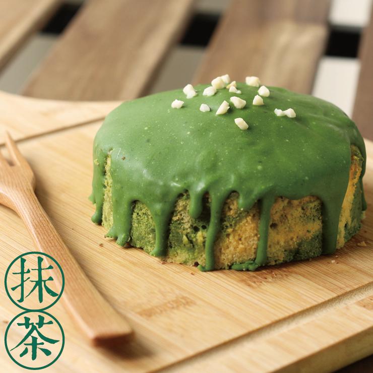 日本的樹懶 - 抹茶拿鐵旅人磅蛋糕 - 雙色麵團+白巧克力抹茶淋醬=多層次的美味享受、月月銷售前三名(樹懶慢慢) 使用法國Isigny奶油、水手牌超級蛋糕粉、紐西蘭奶粉