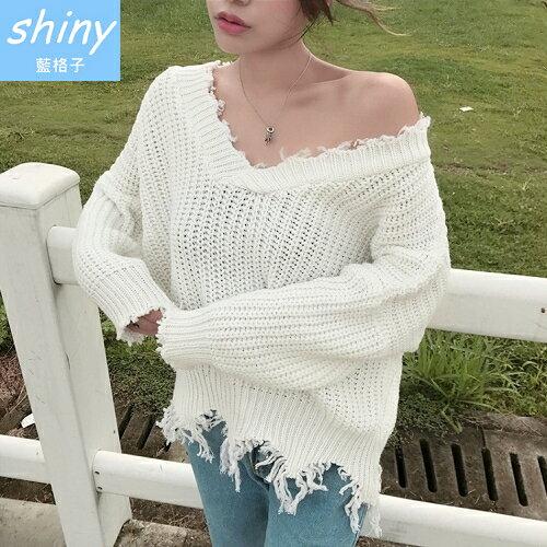 shiny藍格子:【V2046】shiny藍格子-柔美性感.V領粗毛線不規則流蘇長袖上衣