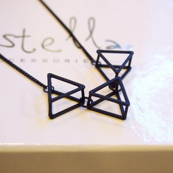 項鍊 霧面黑色立體簍空三角形 幾何個性歐美百搭 正韓 Anna S.