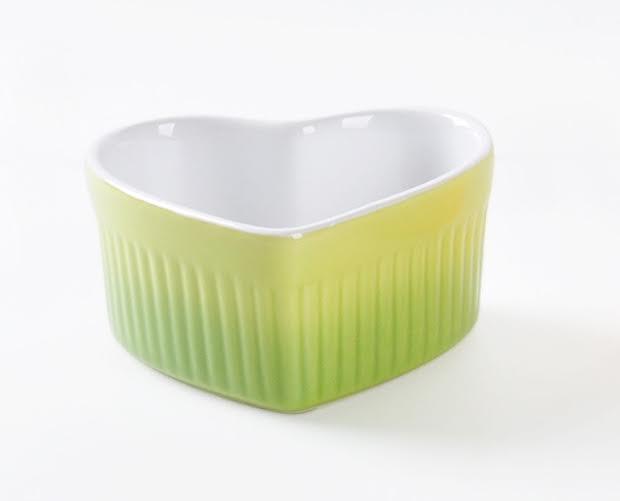 HOMA 彩色廚房 心型彩色烘培烤盅 無鉛無毒 來自法國時尚色系 綠色一個 母親節媽媽最愛