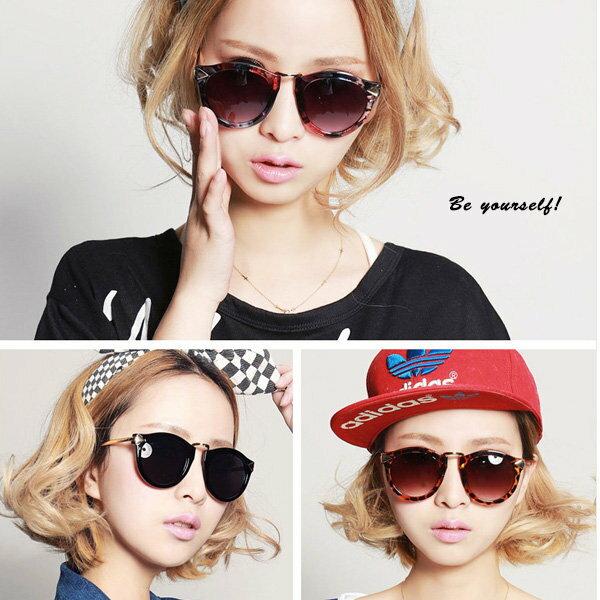 時尚箭頭復古花色造型太陽眼鏡 墨鏡 8888 可超商取貨 批發 【櫻桃飾品】【8888】