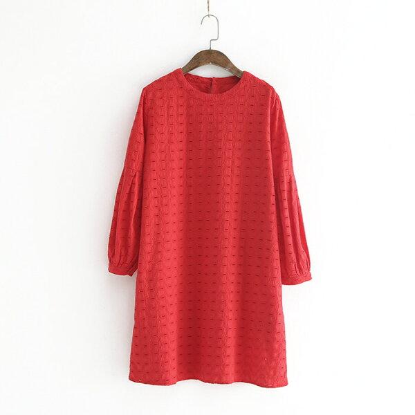 純色圓領鏤空刺繡泡泡袖A字裙連身裙洋裝樂天時尚館。預購。[全店免運]